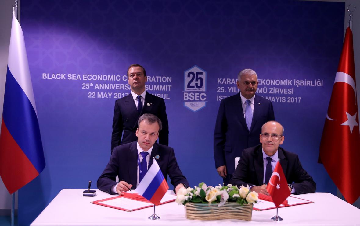 Podpis rusko-tureckého prohlášení o vzájemném zrušení obchodních omezení