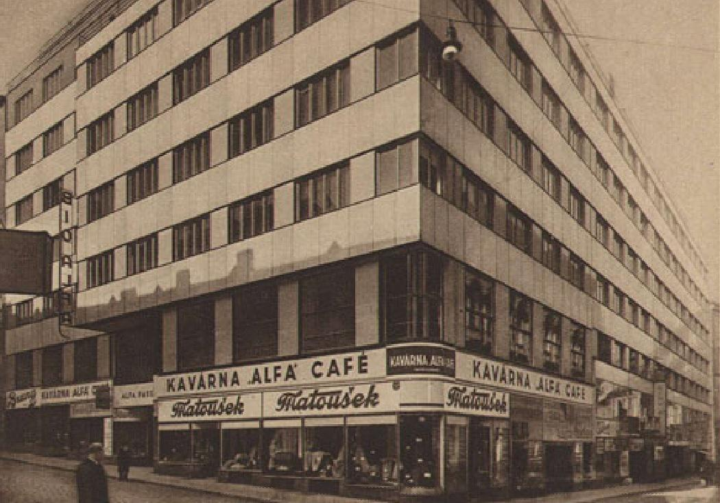Palác Alfa na dobové fotografii