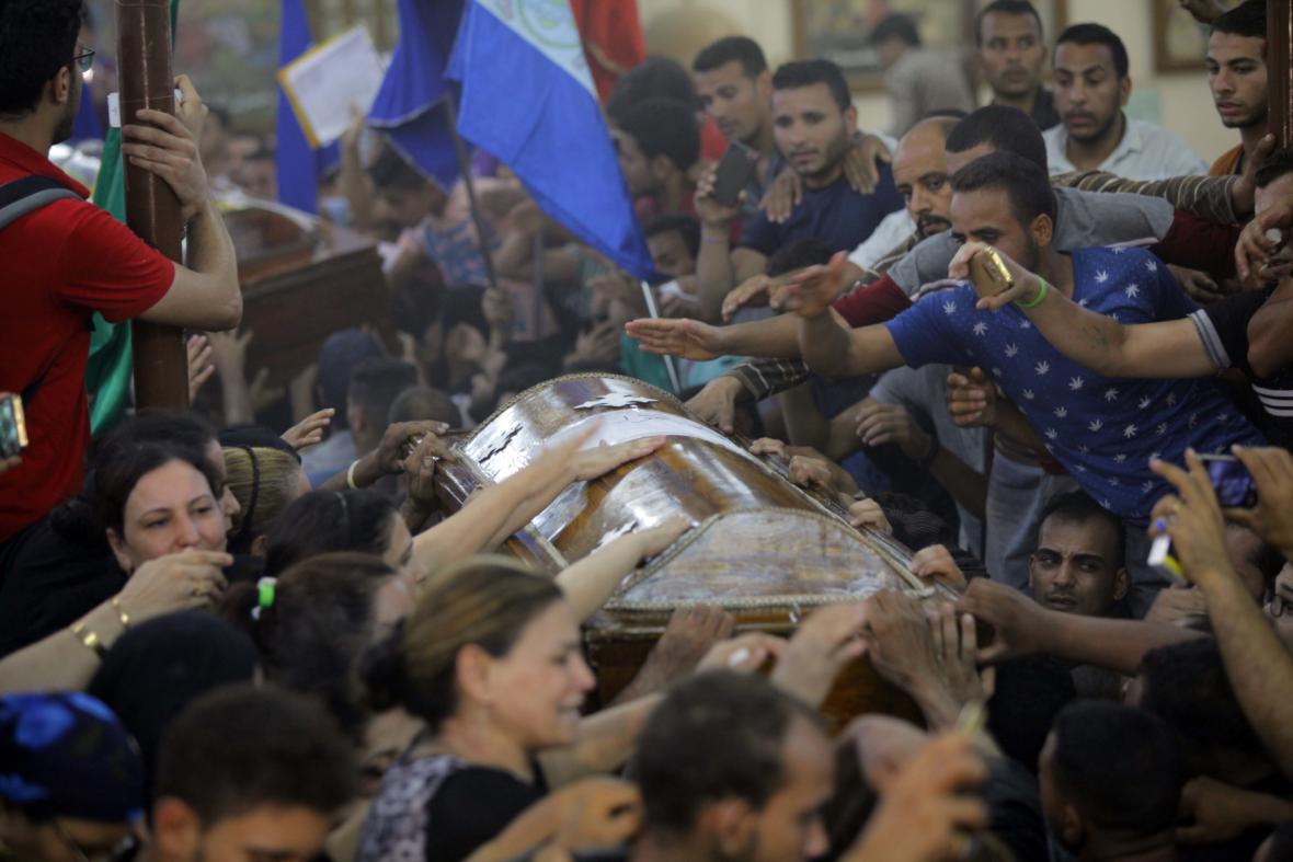 Pohřeb sedmi obětí pátečního útoku