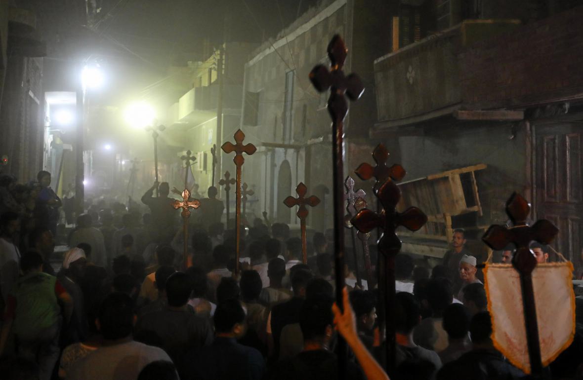 Pohřeb koptských obětí ozbrojeného útoku