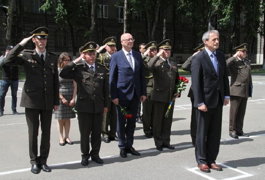 Ministr Stropnický uctil památku ukrajinských vojáků padlých na východě země