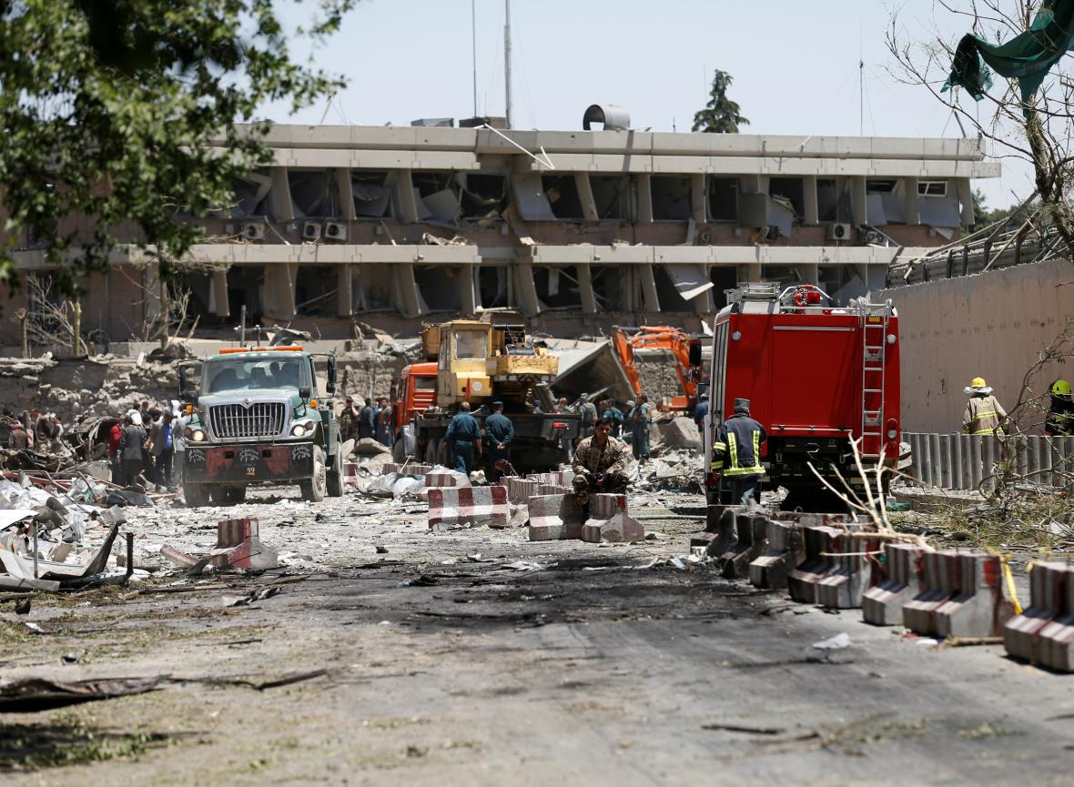 Následky mohutného výbuchu v Kábulu