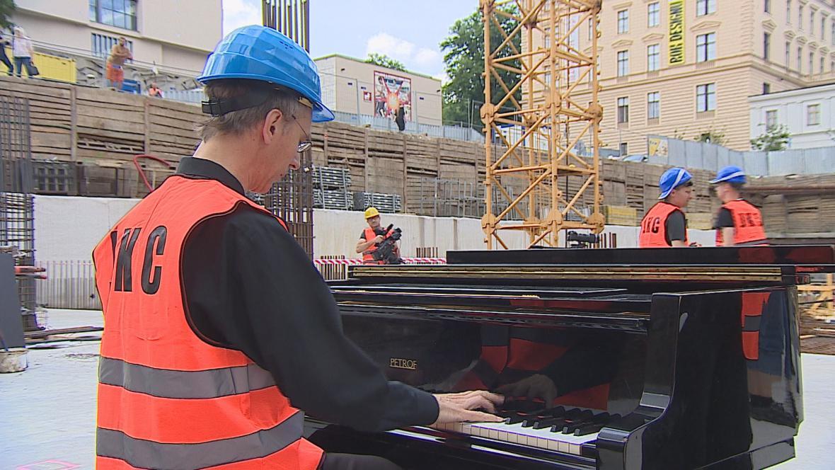 Sólista Filharmonie Brno Igor Ardašev