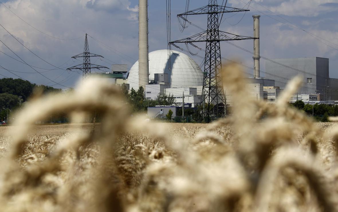 Jaderná elektrárna firmy EnBW v německém Phillipsburgu (rok 2011).