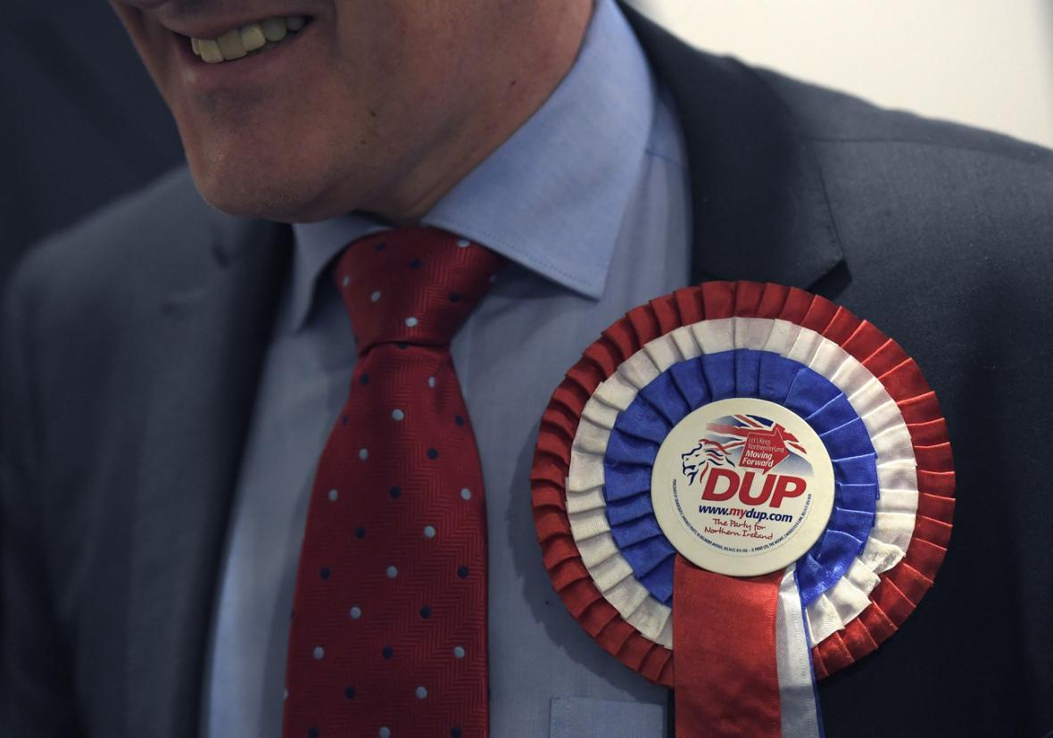 Příznivec severoirské Demokratické unionistické strany.