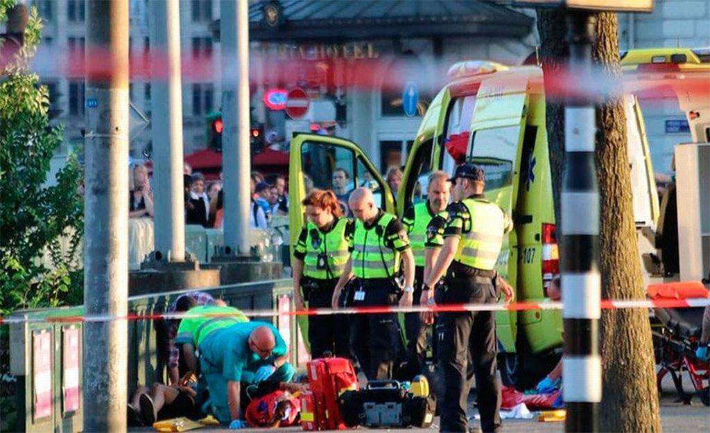 Řidič v Amsterdamu srazil osm lidí