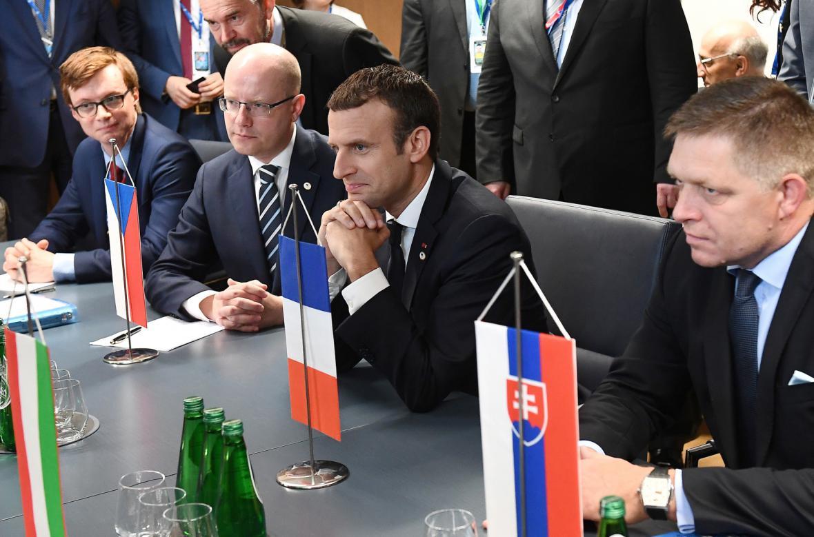 Bohuslav Sobotka, Emmanuel Macron a Robert Fico