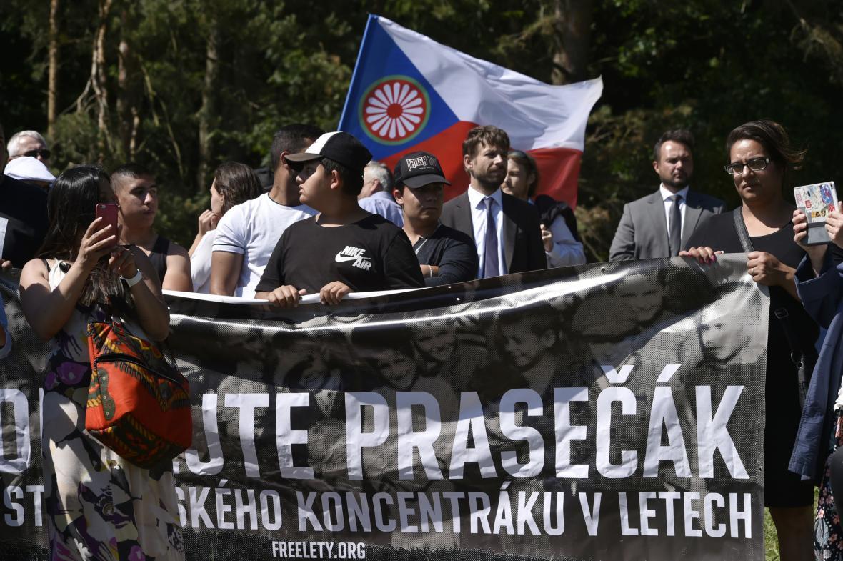 Jedním z účastníků protestu byl i ministr spravedlnosti Robert Pelikán