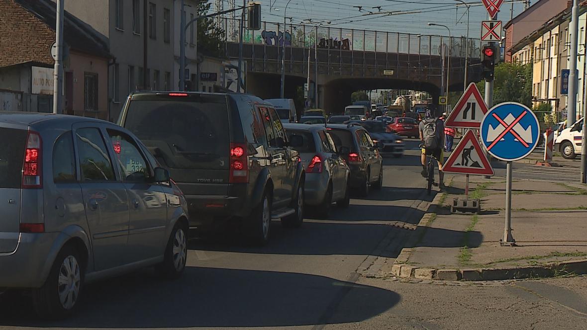 Letos začaly v Brně práce na silnicích už před prázdninami
