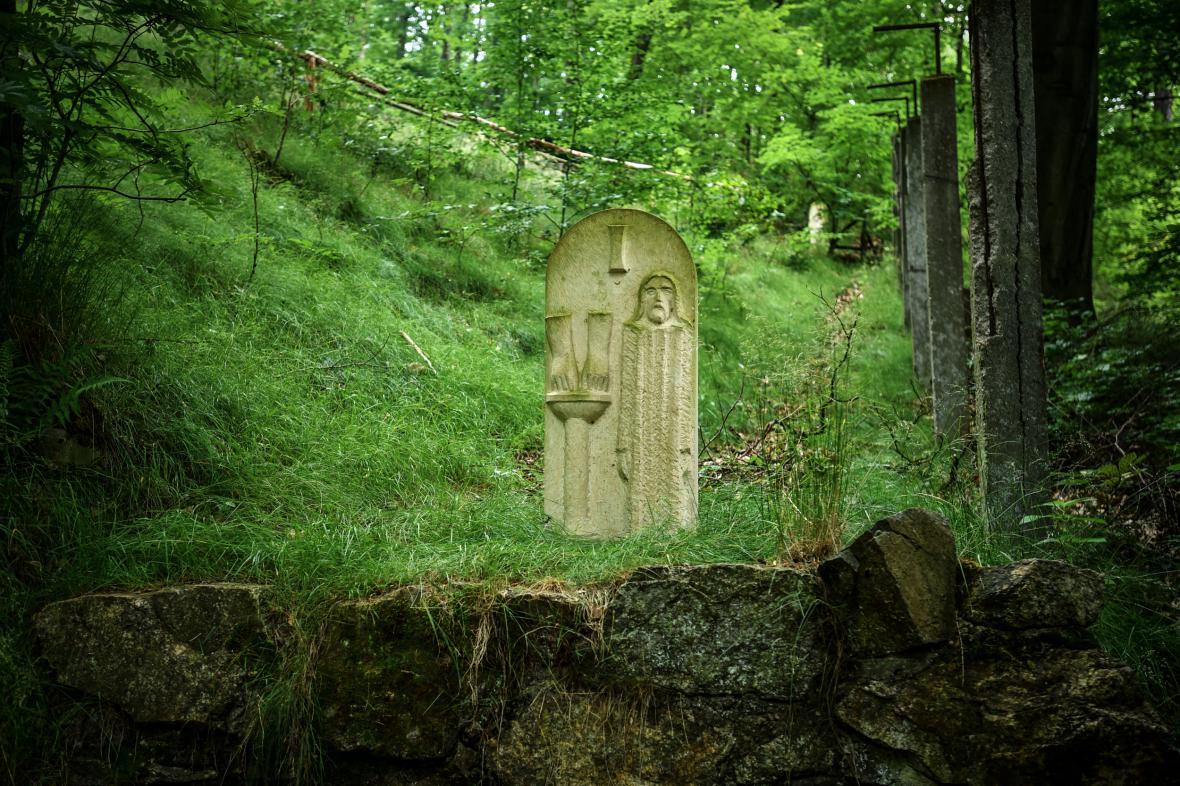 Křížová cesta u hradu Grabštejn