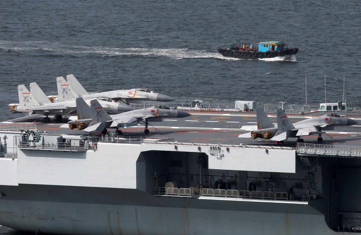 Letadlová loď Liao-ning zakotvila v Hongkongu