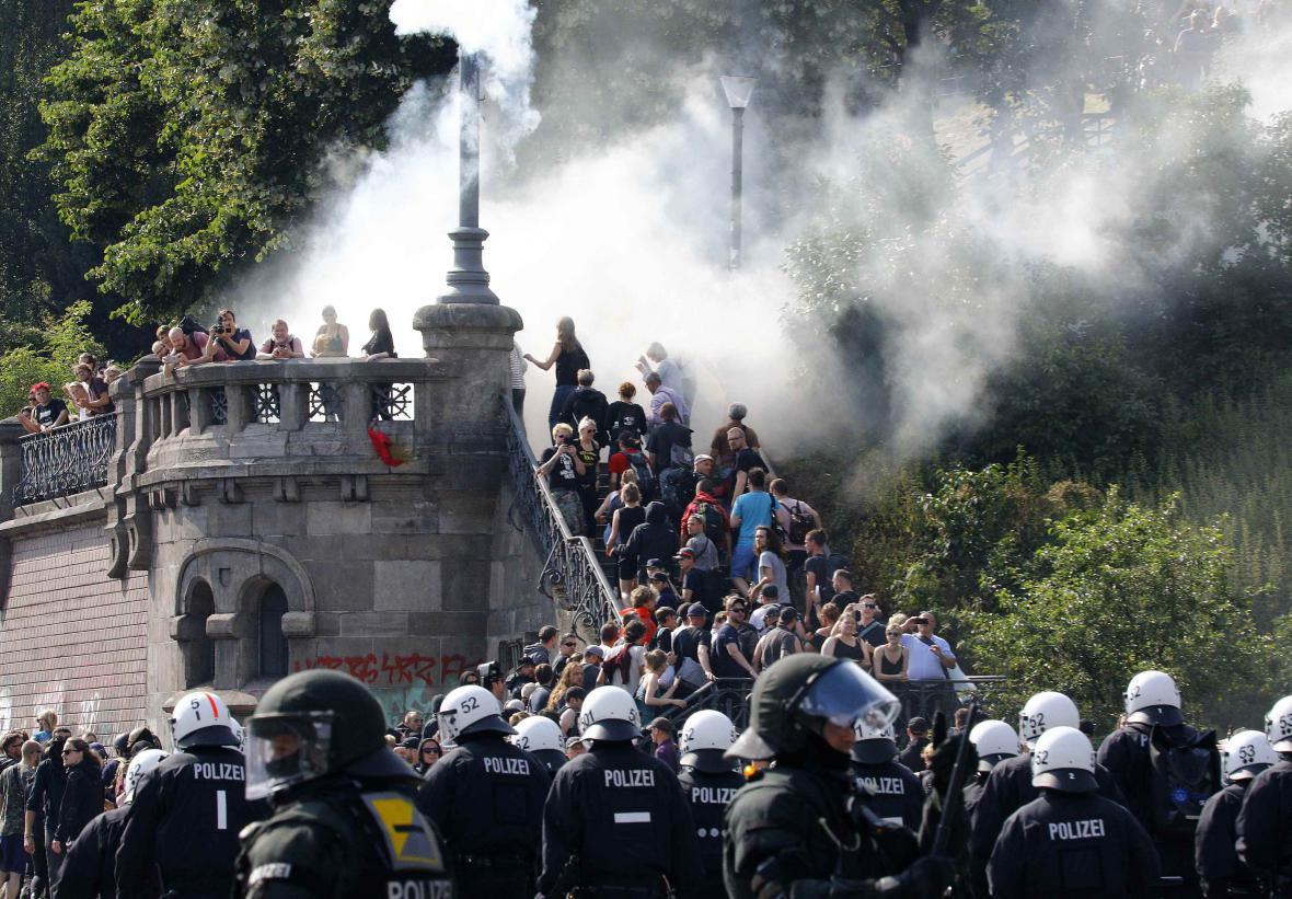 Násilnosti v Hamburku