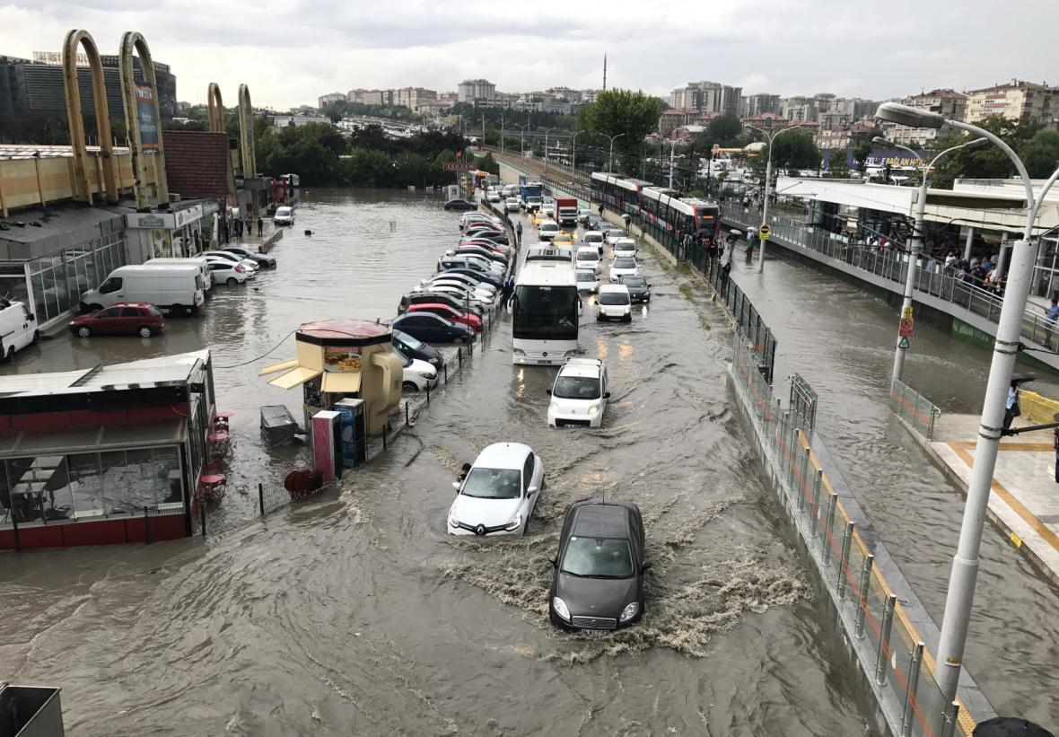 Záplavy v Istanbulu