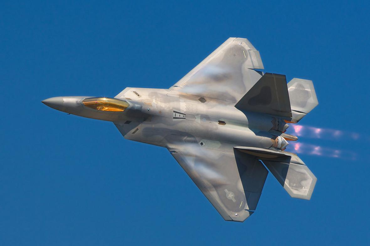 27. července 1972 se první prototyp F-15-A vznesl k nebi z Edwardsovy vojenské základny v Kalifornii.