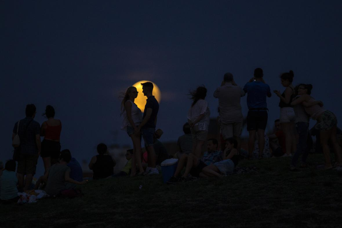 Zatmění Měsíce po Evropě - Španělsko