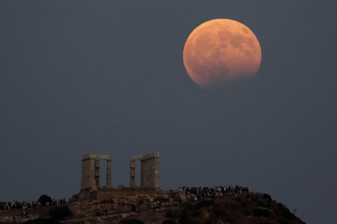 Zatmění Měsíce po Evropě - Řecko