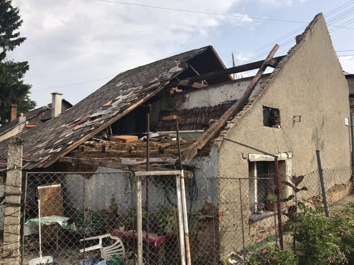 Bouřka poškodila domy v Morkovicích