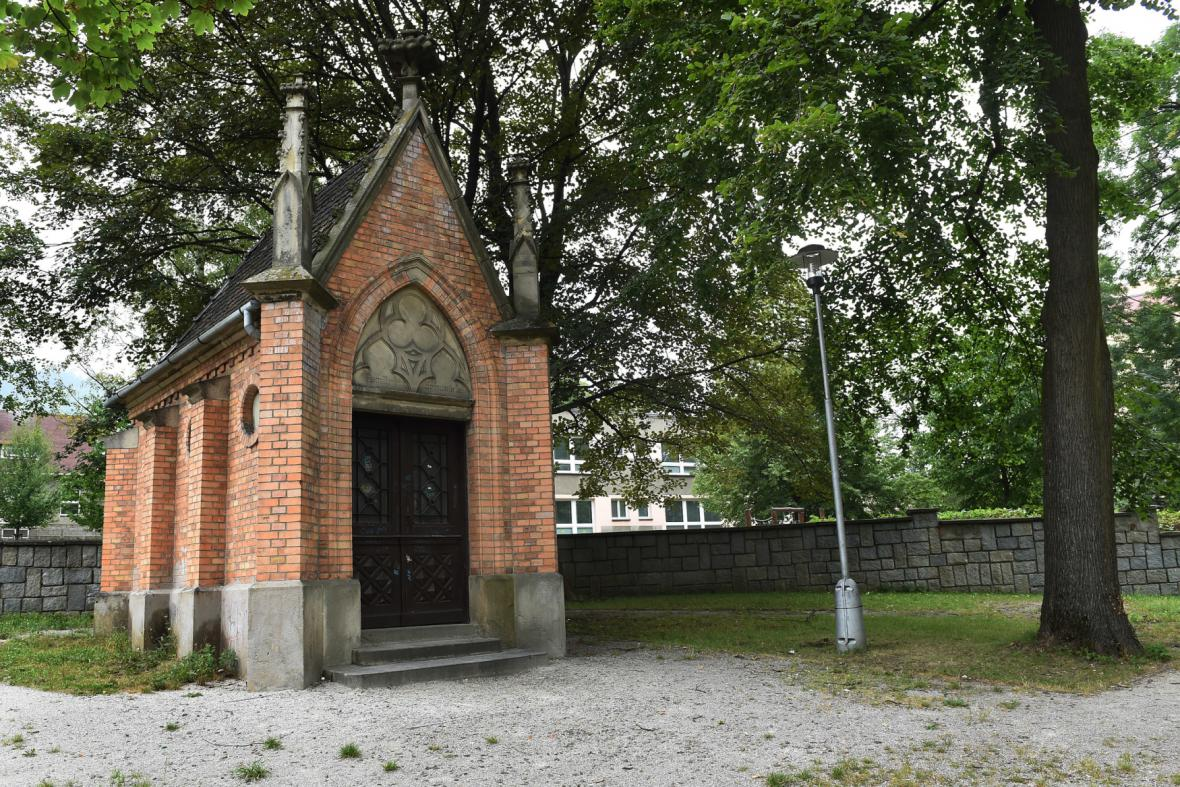 Hrobka rodiny Šustalů