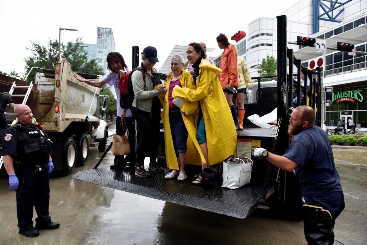 Harvey přinesl do Texasu ničivé povodně