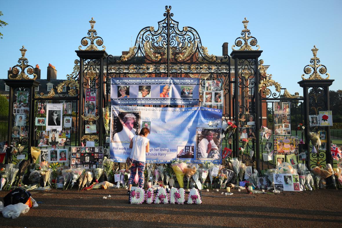 Lidé vzpomínají na princeznu Dianu