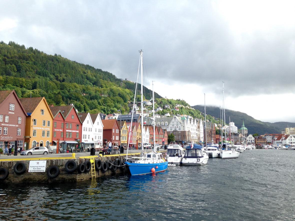 Bryggen, bergenské uličky a akvárium