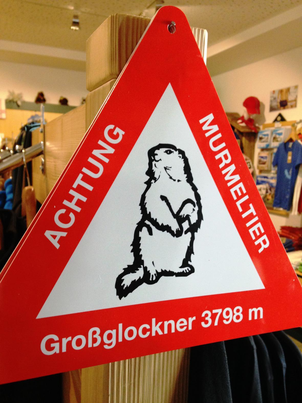Prodej dopravních značek s varováním před pohybem svišťů