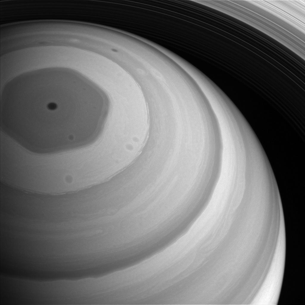 Severní pól Saturnu