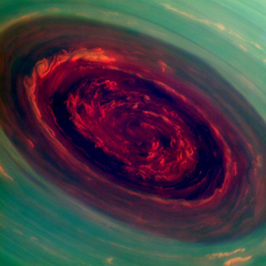 Bouře na severním pólu Saturnu