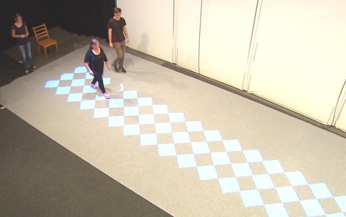 Experimenty s chůzí po geometrických obrazcích