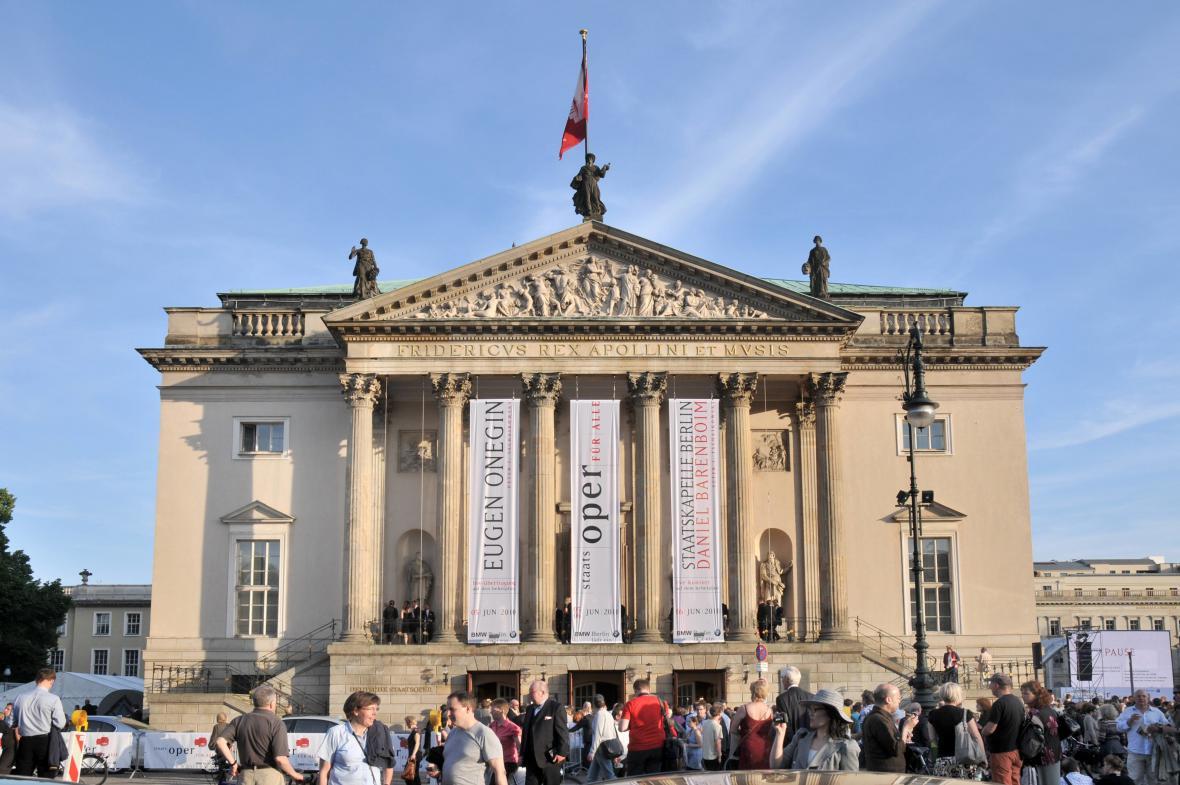 Berlínská opera před rekonstrukcí v roce 2010