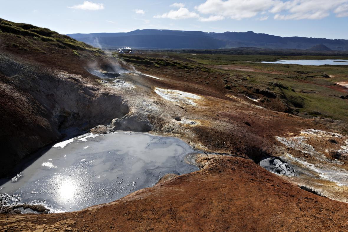 Geotermální elektrárna Hellisheidi a její okolí
