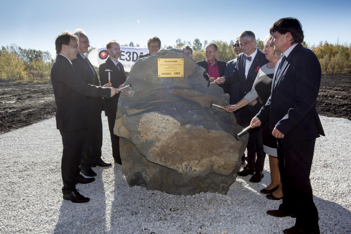Položení základního kamene firmy HE3DA
