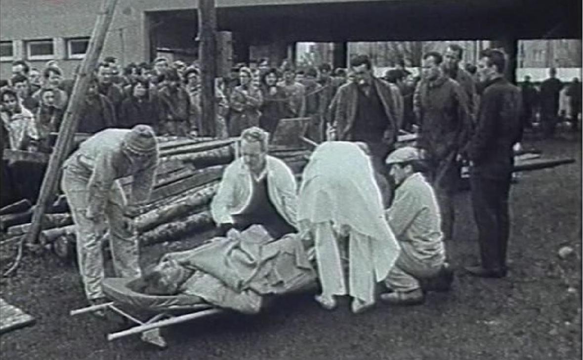 Dosud (8.4.1968) nejtragičtější hromadný úraz ve stavebnictví. Na dělníky v budově na náměstí SNP v Brně se zřítil strop