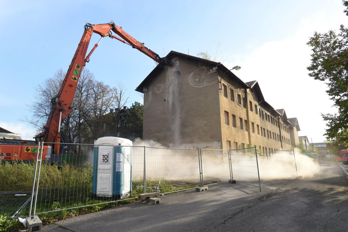 Bourání ve Škodově ulici