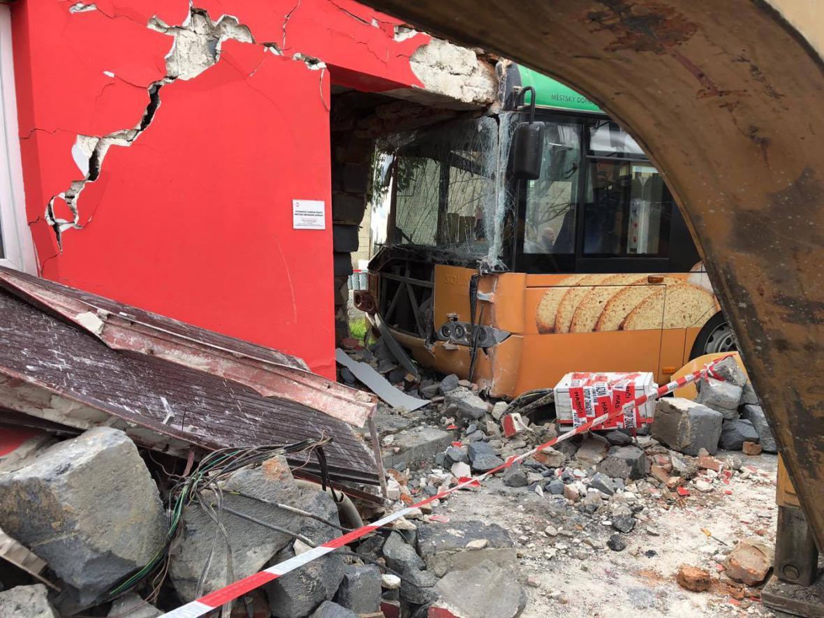 Nehoda trolejbusu v Opavě