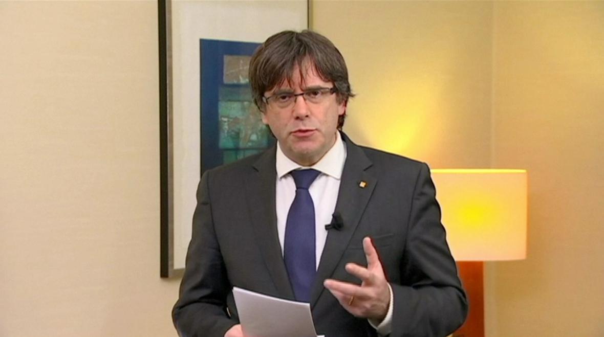 Carles Puigdemont v projevu v televizi TV3