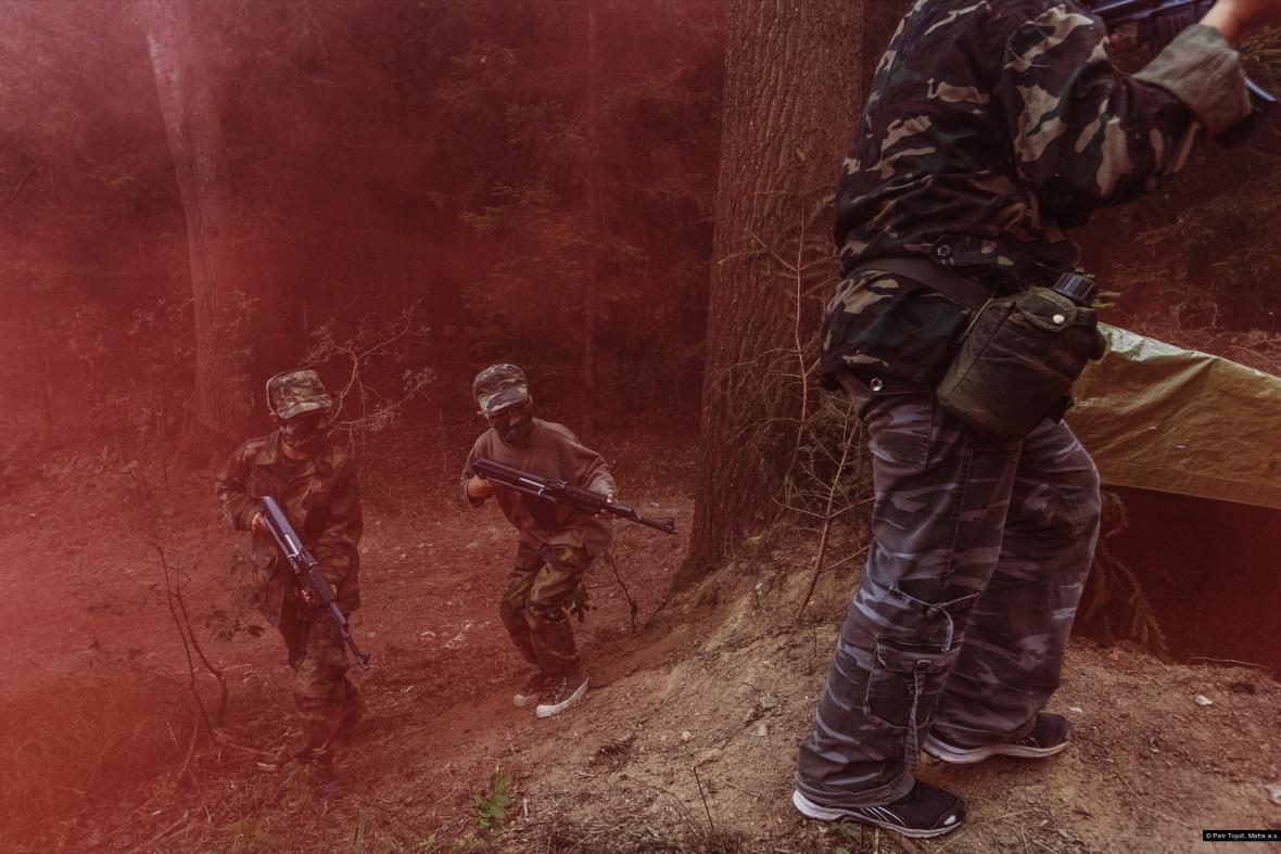 Nominace na první cenu Czech Press Photo 2017 v kategorii Problémy dnešní doby (série)