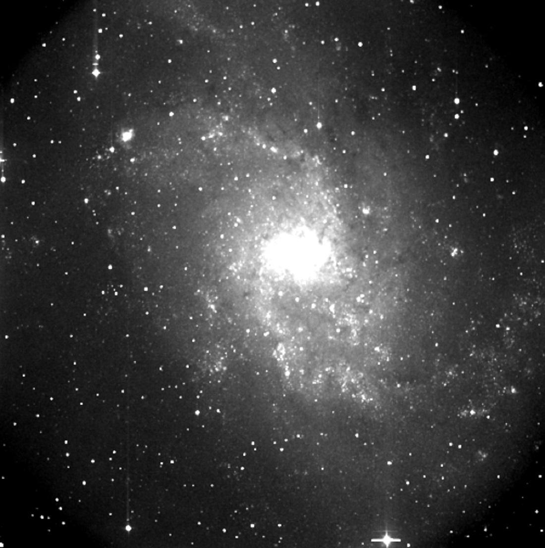 Snímek galaxie M33 v souhvězdí Trojůhelníka byl pořízen v noci z 20.21. září 2003