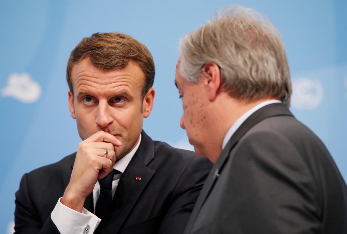 Francouzský prezident Macron v rozhovoru s generálním tajemníkem OSN Guteressem