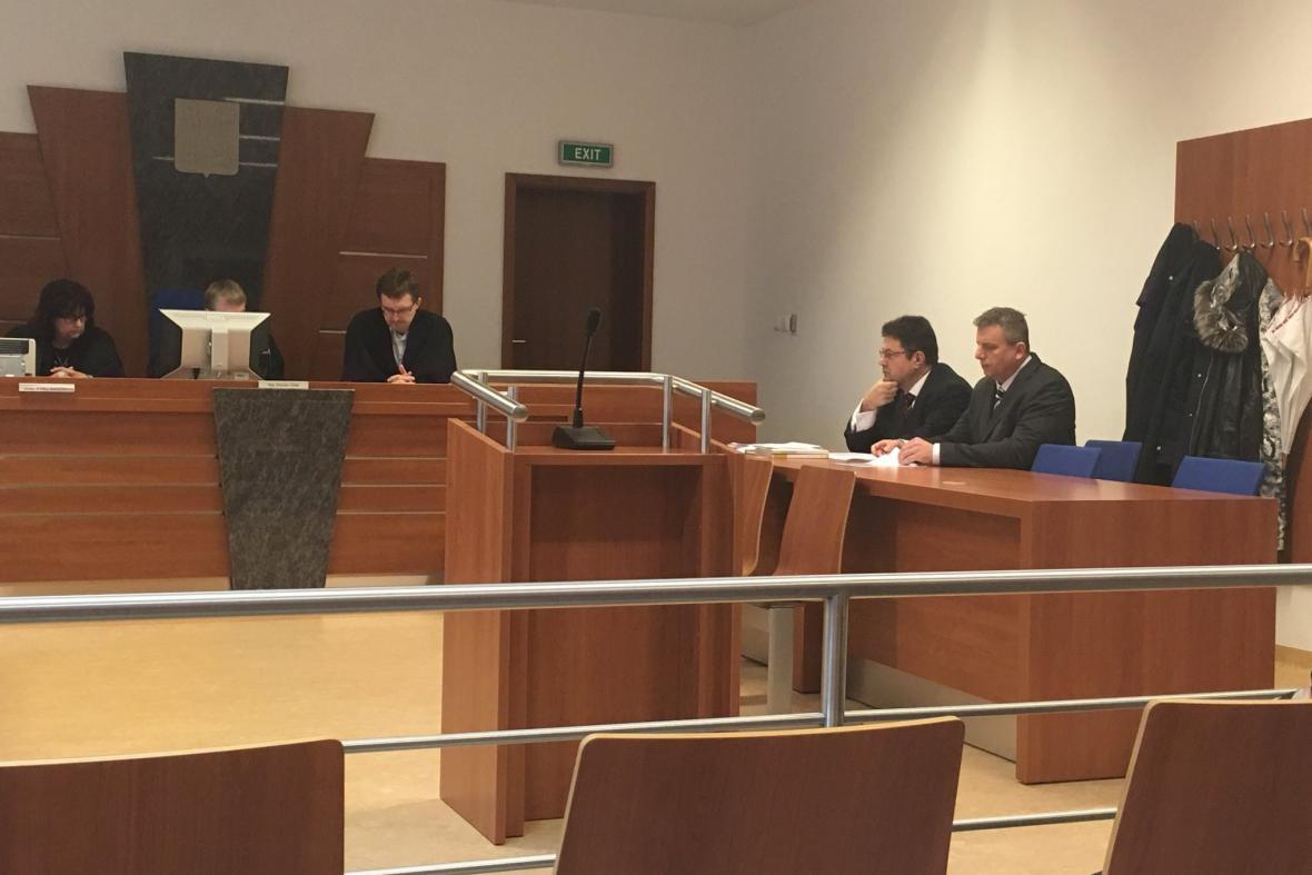 Bývalý ředitel Vězeňské služby Pavel Ondrášek u soudu ve sporu o generálský kord