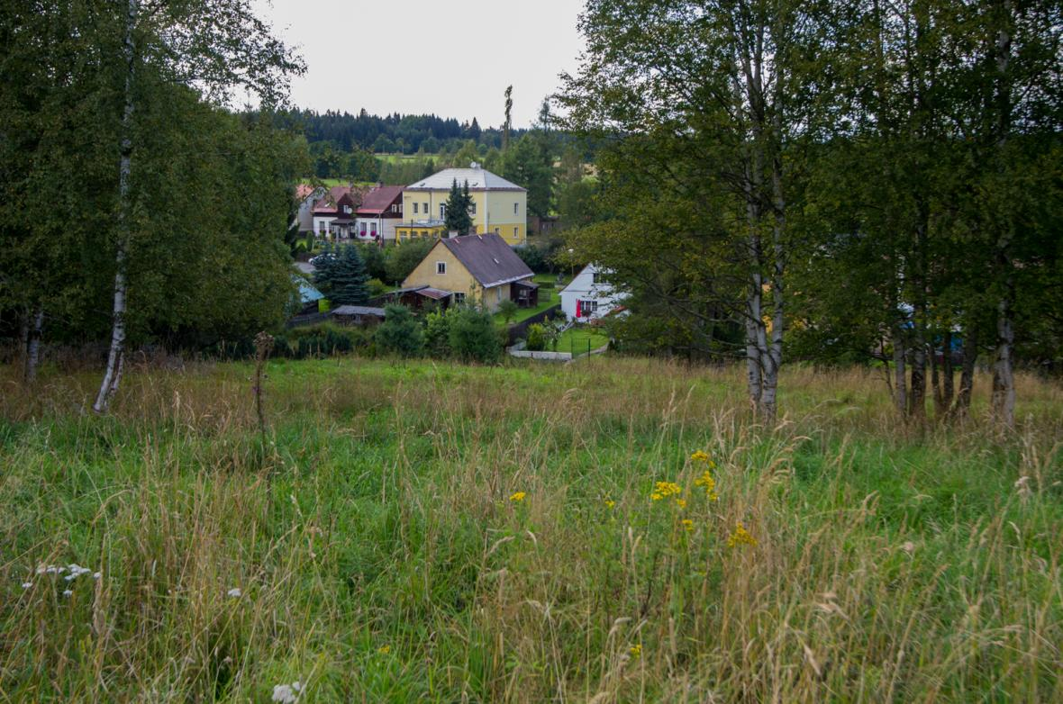 Malá obec Prameny nedaleko Mariánských Lázní je nejzadluženější obcí v Česku