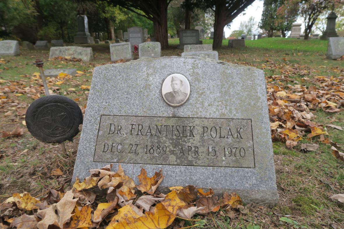 Právník František Polák je pochován na hřbitově Riverside Cemetary ve městečku Coxsackie ve státě New York. Zde strávil poslední léta života