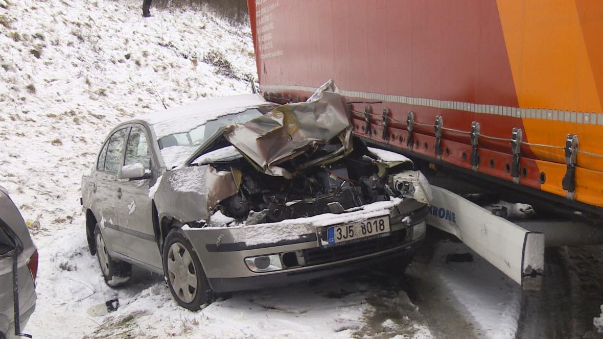 Hromadná nehoda na D1 na 99. kilometru