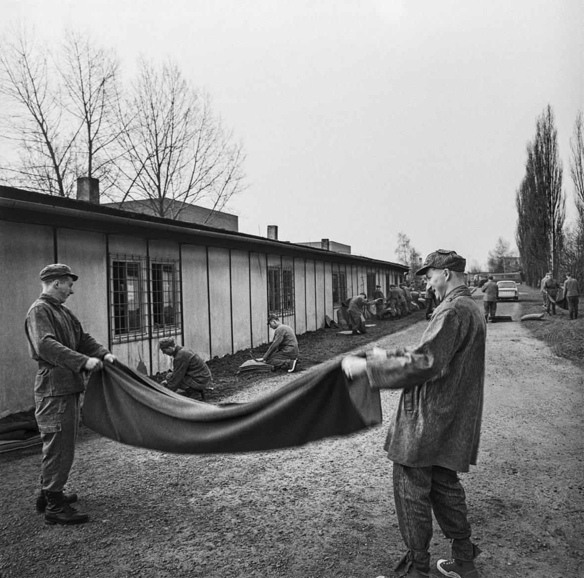 Z knihy Josefa Mouchy Válka za studena