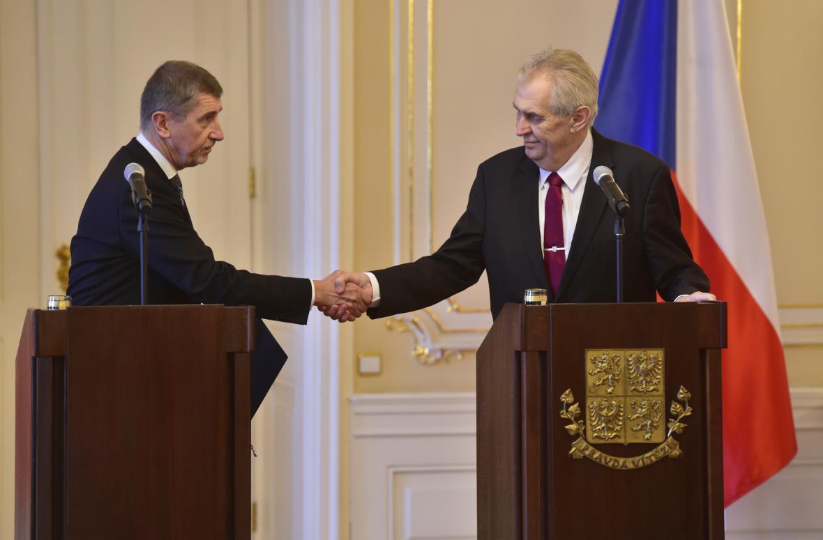 Andrej Babiš podává demisi