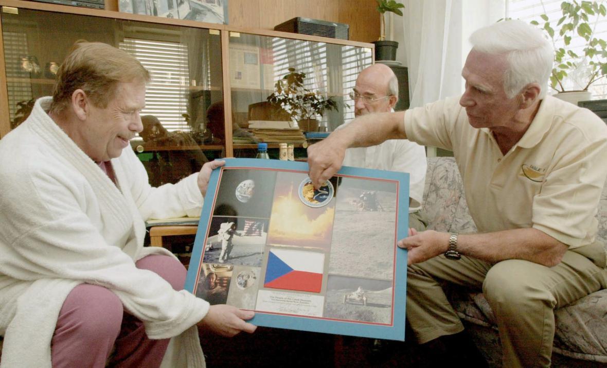 Václav Havel složil přesně před 25 lety (2. února) slib na úřad prvního prezidenta České republiky (1993–2003). V letech 1989 - 1992 byl zároveň devátým a posledním prezidentem Československa.