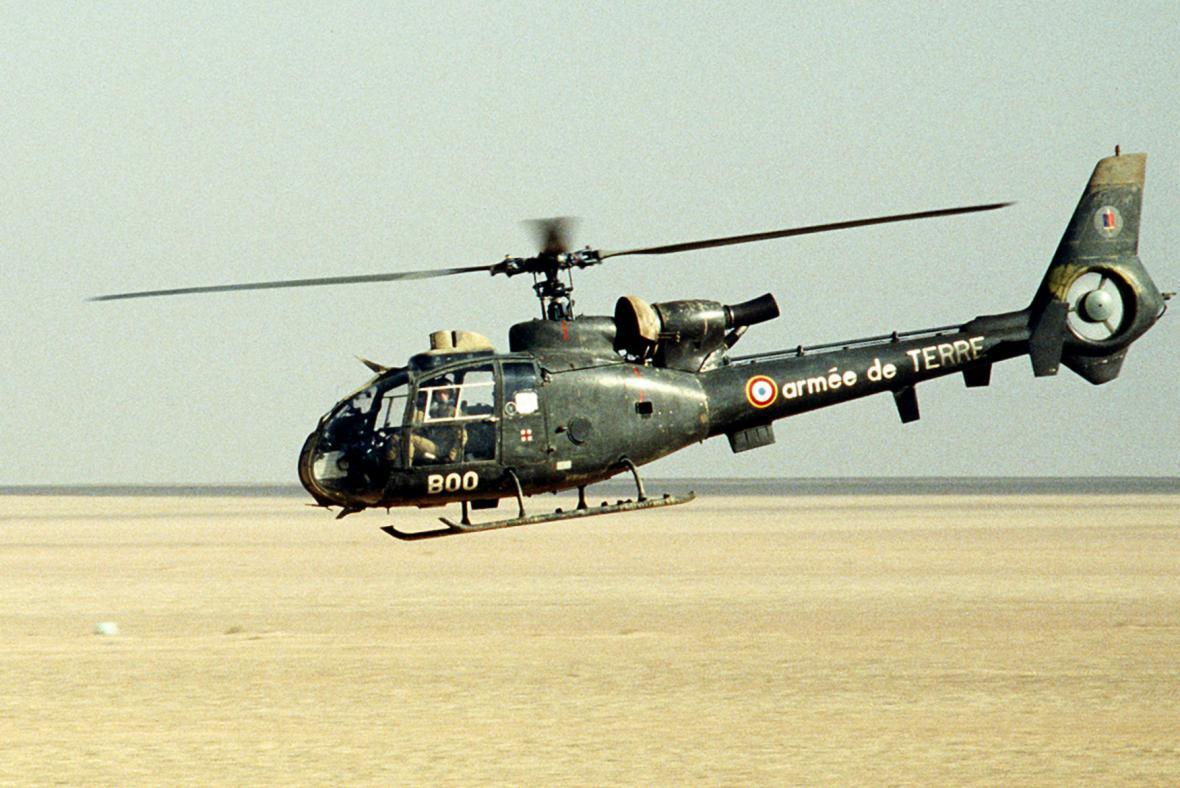 Francouzská helikoptéra Gazela SA 341F2 během operace Pouštní štít