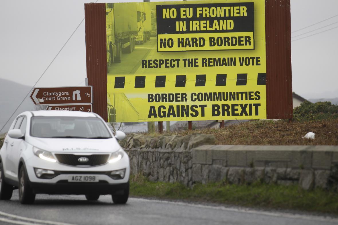 Billboard proti hranicím po brexitu