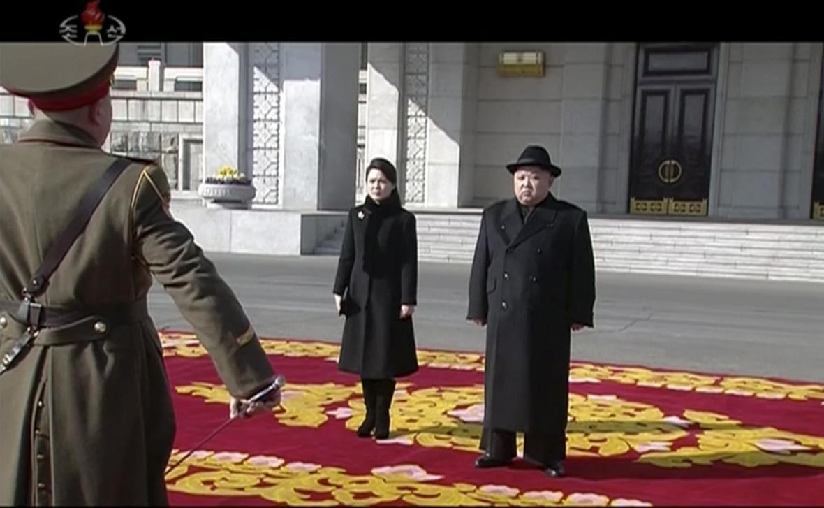 Kim Čong-un na vojenské přehlídce severokorejské armády