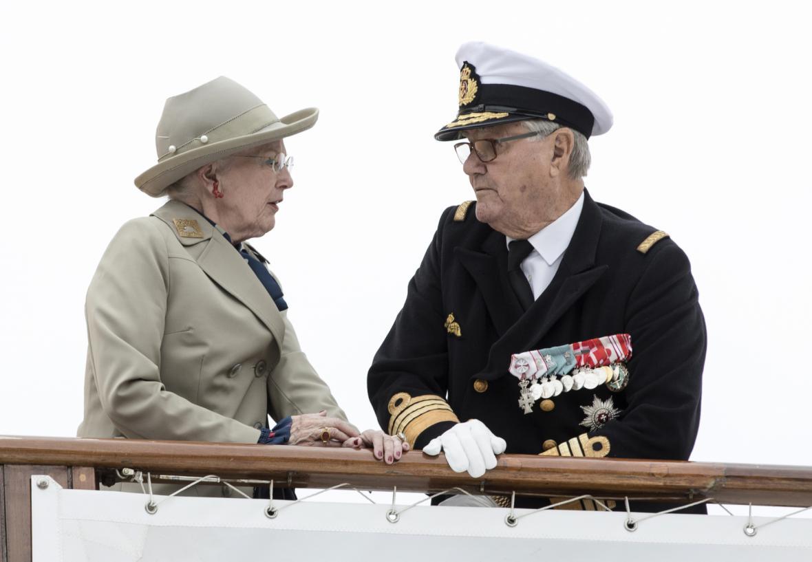 Dánská královna Margrethe s princem Henrikem